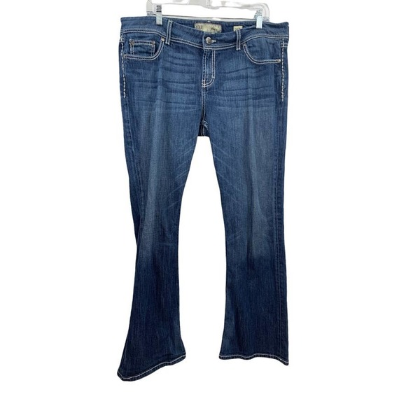 BKE Kate Size 36 R Bootcut Jeans Medium Wash Embroidered Pocket Thick Stitch